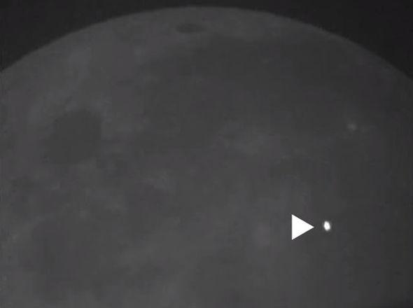 Il più grande impatto asteroide sulla luna, la luna d'impatto asteroide, l'impatto astroide più grosso sulla luna