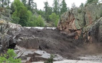Nine dead and one missing in Arizona flash flood video, Nine dead and one missing in Arizona flash flood, deadly flash floods arizona kill 9 video deadly flash floods arizona kill 9,