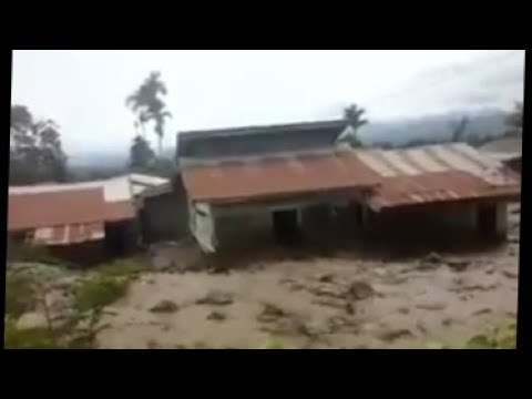 lahar sinabung volcano indonesia video, Apocalyptical lahar destroys 20 houses after the eruption of Sinabung volcano in Indonesia in 2017