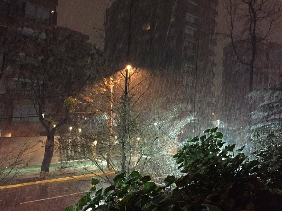 santiago de chile snow, Snow in Santiago de Chile, nieve santiago, Snow in Santiago de Chile july 2017, first snow sntiago in decades