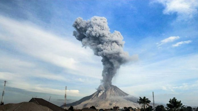 sinabung eruption on July 20 2017, sinabung eruption on July 20 2017 picture, sinabung eruption on July 20 2017 video