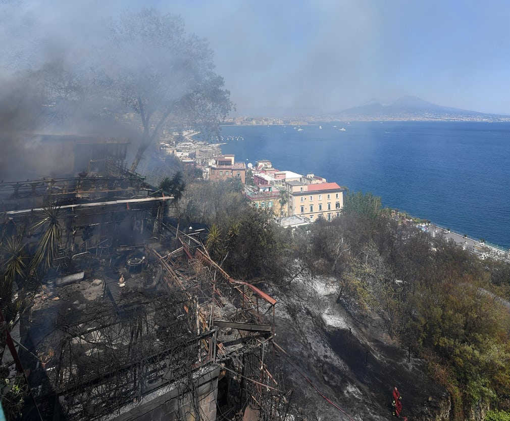 wildfire italy july 2017, wildfire italy july 2017 video, wildfire italy july 2017 pictures