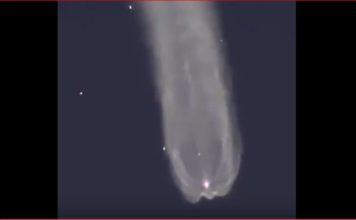Mysterious sky phenomenon in the sky of Kazakhstan, msterious light sky Kazakhstan, moving light and vapor cloud kazakhstan