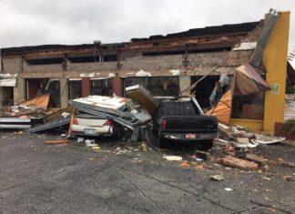 tornado tulsa, tornado tulsa augut 6 2017, tornado tulsa video, tornado tulsa picture, tornado tulsa augut 6 2017, Tornado sweeps through Tulsa Oklahoma on August 6 2017