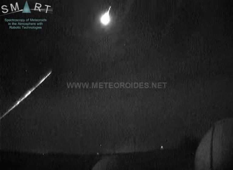 fireball video september 2017, Two bright meteor fireballs exploded in the night sky over Spain on consecutive nights, spain meteor video, spain fireball video, fireball video september 2017