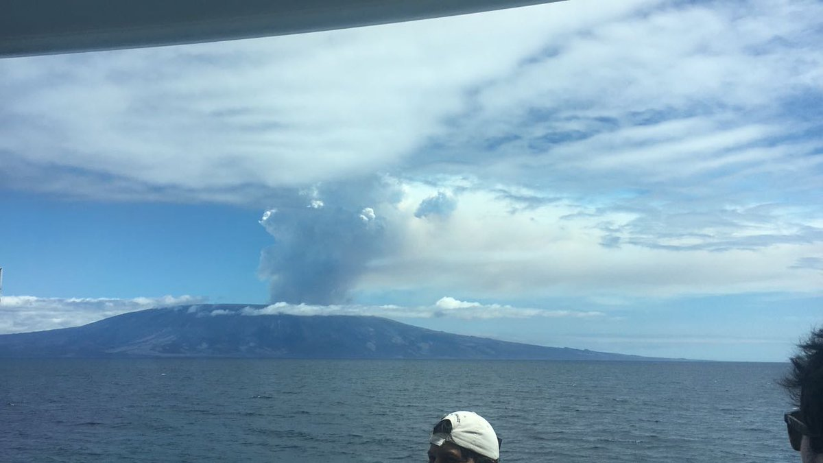 eruption galapagos, Eruption of Fernandina La Cumbre volcano in Galapagos on September 4 2017, volcanic eruption La Cumbre volcano galapagos, volcanic eruption galapagos september 4 2017