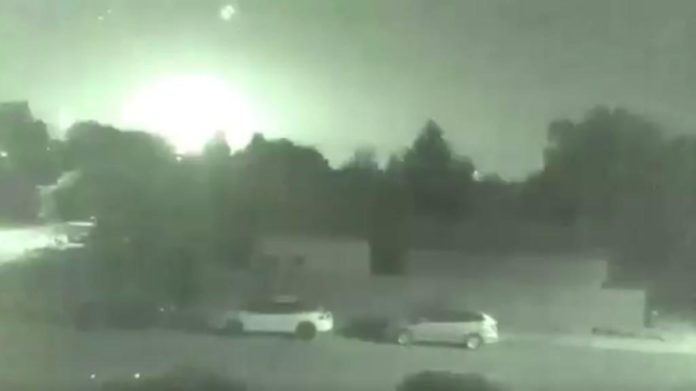 fireball bc september 4 2017, fireball bc september 4 2017 video, giant fireball explodes over BC and Alberta in Canada on September 4 2017, giant fireball explodes over BC and Alberta in Canada on September 4 2017 video