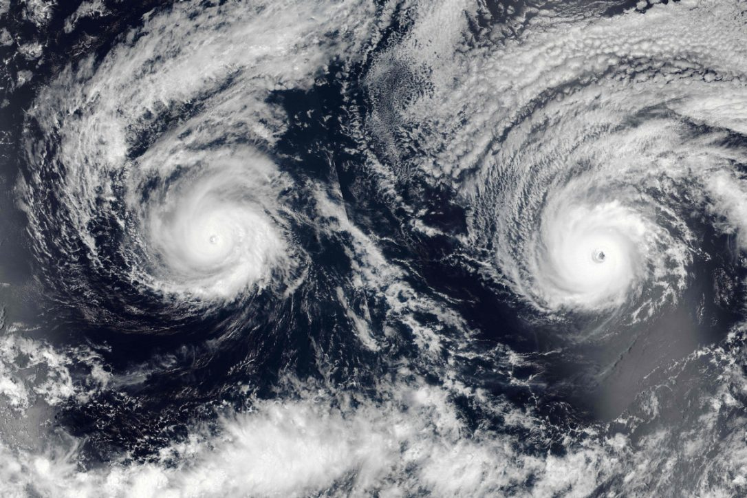 hurricanes lee and maria merge, Hurricanes Lee and Maria to merge into Storm Brian, hurricanes lee and maria fuse, hurricanes lee and maria merging into storm brian, Fujiwara effect: Two hurricanes much into a more powerful storm