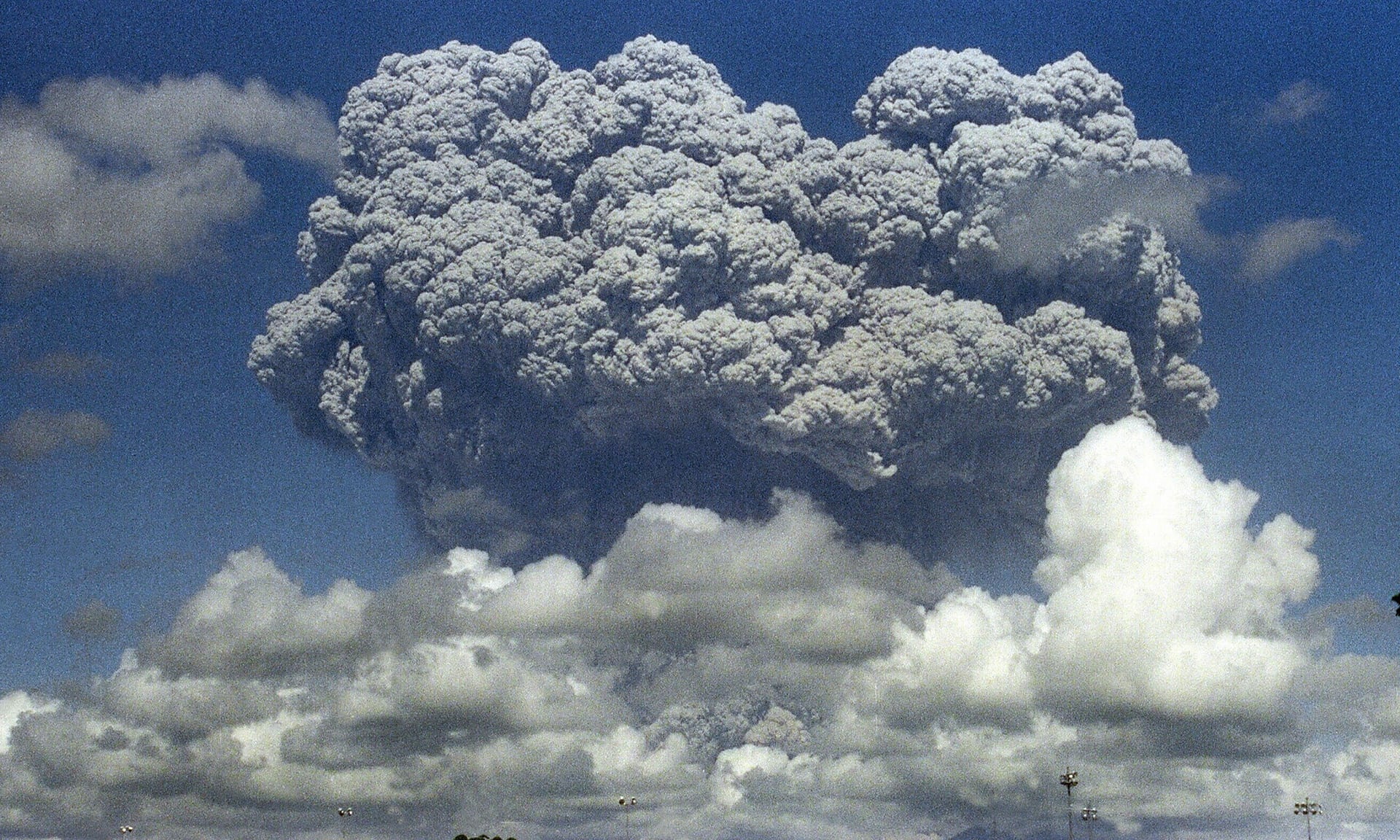 pinatubo eruption, pinatubo eruption typhoon