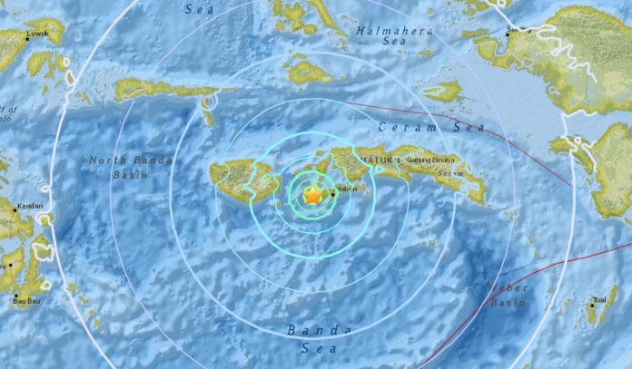 M6.3 earthquake indonesia october 31 2017, A M6.3 earthquake followed by a M5.7 and M5.9 hit Hila, Indonesia on October 31 2017