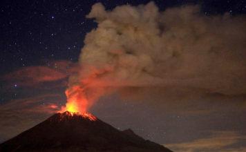 Nightly eruption at Popocatepetl volcano on October 1 2017, enhanced volcanic activity popocatepetl volcano september 2017, , eruption popocatepetl volcano september 30 2017, enhanced volcanic activity popocatepetl volcano, popo eruption, popocatepetl volcano erupts september 30 2017