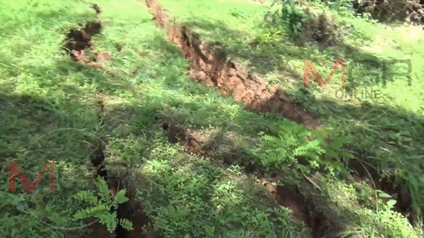 giant cracks thailand, giant cracks thailand pictures, giant cracks thailand video