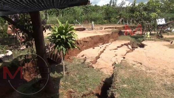 giant cracks thailand, giant cracks thailand pictures, giant cracks thailand video
