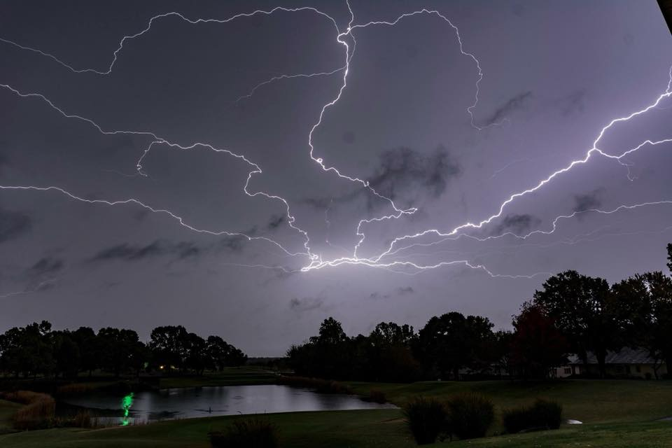 lightning storm, lightning storm arkansas pictures, lightning storm arkansas videos