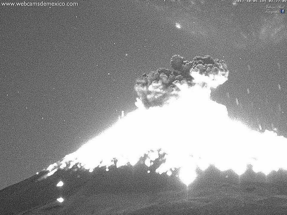 Popocatepetl volcano in Mexico erupts 3 times on October 5 2017, Popocatepetl volcano in Mexico erupts 3 times on October 5 2017 video, Popocatepetl volcano in Mexico erupts 3 times on October 5 2017 pictures