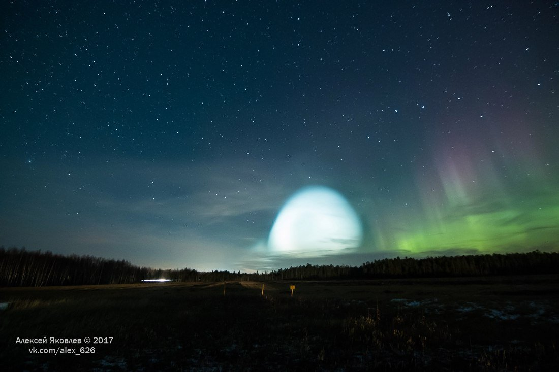 Unusual glow in the sky during Russian test of huge 'Satan Two' ballistic missile october 26 2017, Unusual glow in the sky during Russian test of huge 'Satan Two' ballistic missile, glow ballistic missile russia,