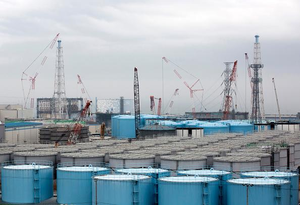 fukushima radioactive water, Storage tanks for contaminated water stand at Tokyo Electric Power Co's (TEPCO) Fukushima Dai-ichi nuclear power plant in Okuma, Fukushima. The government has still not decided what to do with the water.