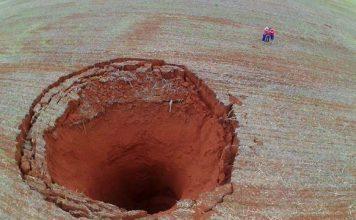 giant sinkhole brazil, giant sinkhole brazil november 2017