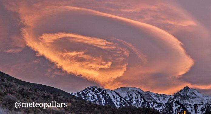 lenticular cloud spain