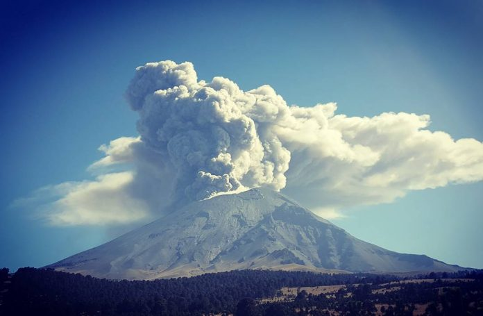 popocatepetl eruption, popocatepetl eruption november 23 2017, popocatepetl eruption thanksgiving 2017, popocatepetl eruption thanksgiving 2017, popocatepetl eruption thanksgiving largest since 2013, biggest eruption of popocatepetl volcano on november 23 2017
