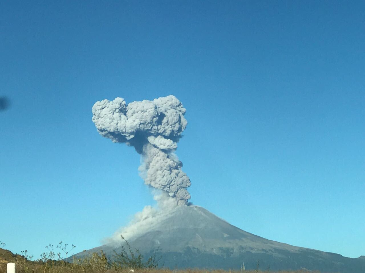 Popocatepetl volcano eruption nov. 10 2017