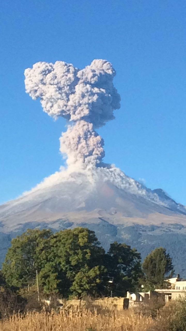 Popocatepetl volcano eruption nov. 10 2017