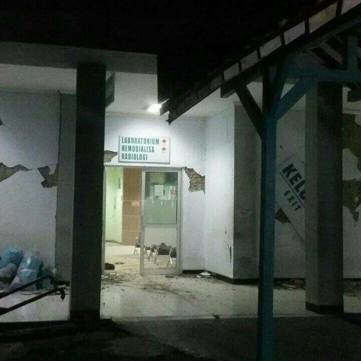 M6.5 earthquake hits Java Indonesia on Dec 15 2017.