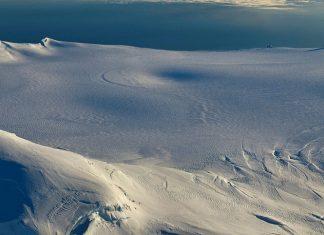 caldera iceland volcano deepens by 20 meters, caldera