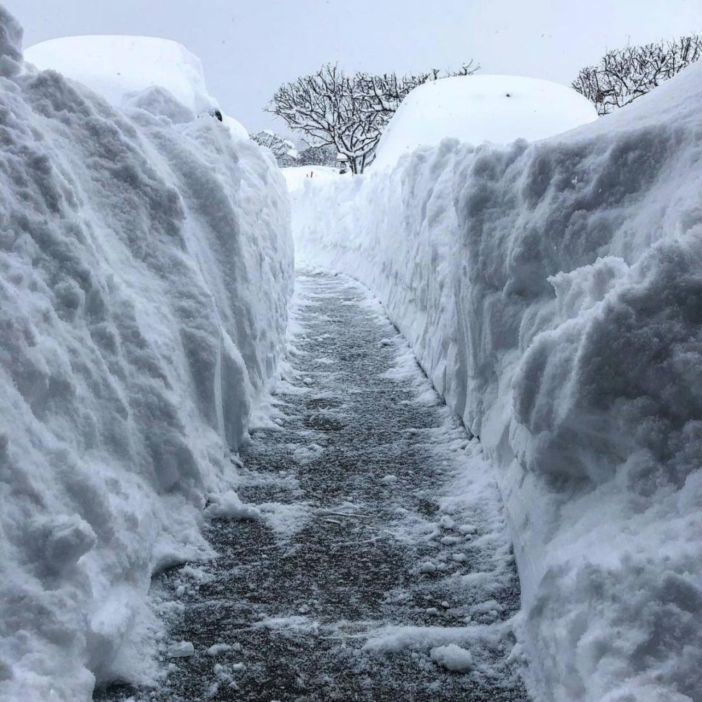 erie snowstorm, erie snowstorm pictures, erie snowstorm videos, erie snowstorm records, Erie snowstorm breaks records in Pennsylvania in on December 25-26 2017