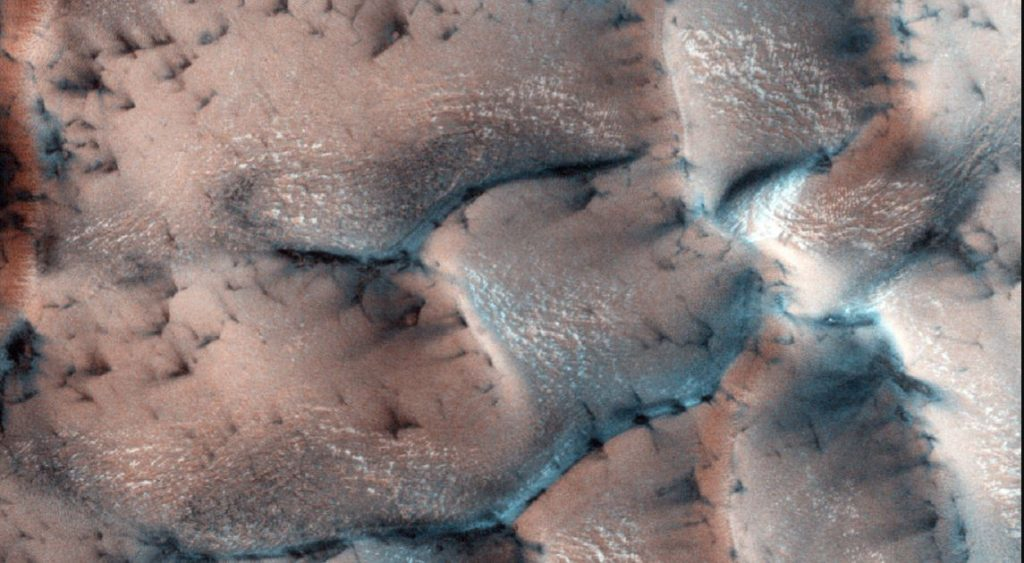 snow mars, mars snow, Winter snow and wonderland on Mars the Red Planet