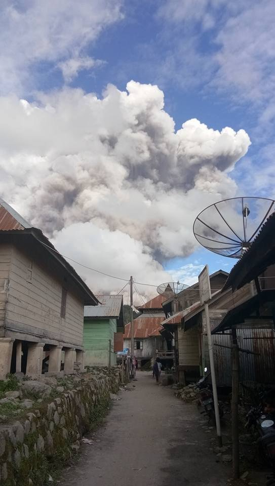 latest volcanic eruption, sinabung eruption, sinabung eruption december 27 2017, sinabung eruption dec 27, sinabung eruption dec 27 video, sinabung eruption dec 27 pictures