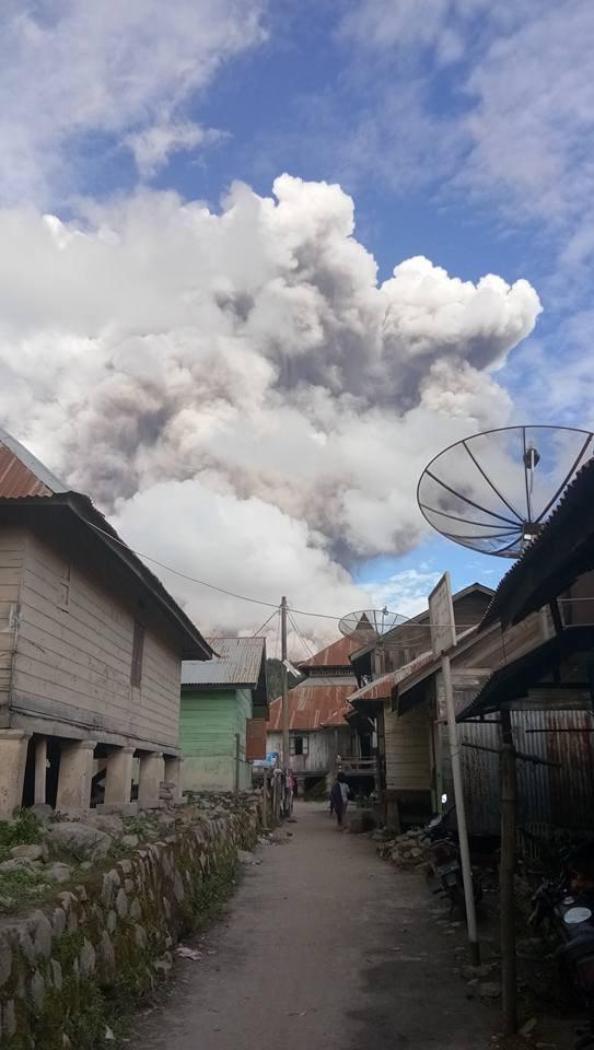 latest volcanic eruption, sinabung eruption, sinabung eruption december 27 2017, sinabung eruption dec 27, sinabung eruption dec 27 video, sinabung eruption dec 27 pictures