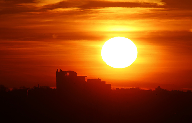 solar cycle reaches minimum ahead of time, The solar cycle has reached its minimum 1.5 years ahead of expected time, solar minimum reached ahead of time, solar minimum