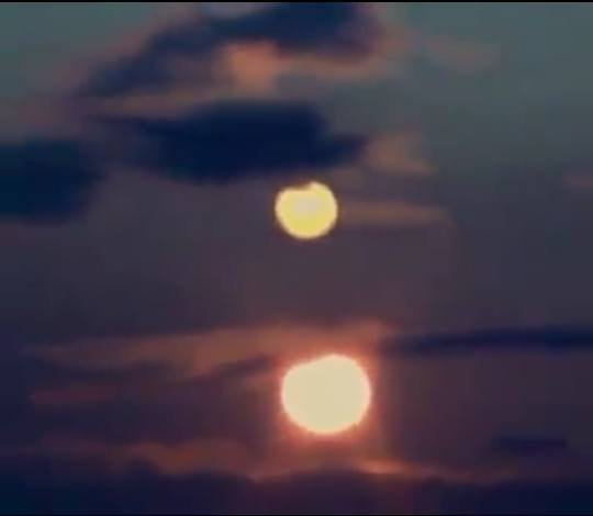 supermoon over sun, supermoon over sun video, The rising supermoon over the setting sun in Colorado The rising supermoon over the setting sun in Colorado video