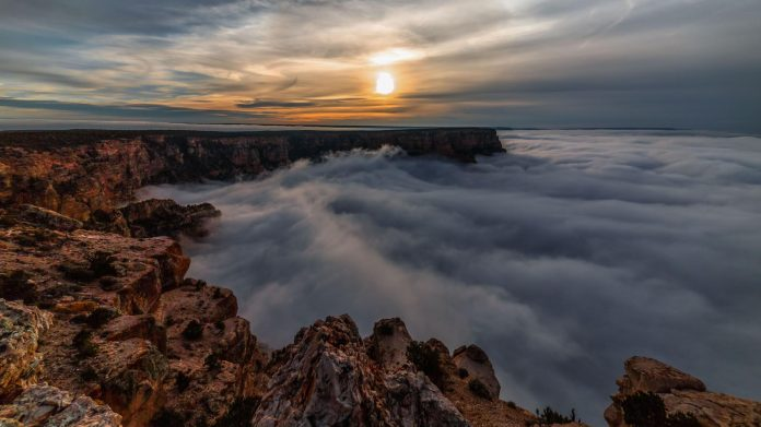 Grand Canyon full cloud inversion, Full cloud inversion at Grand Canyon in amazing timelapse video, Full cloud inversion at Grand Canyon in amazing timelapse video, video Grand Canyon full cloud inversion