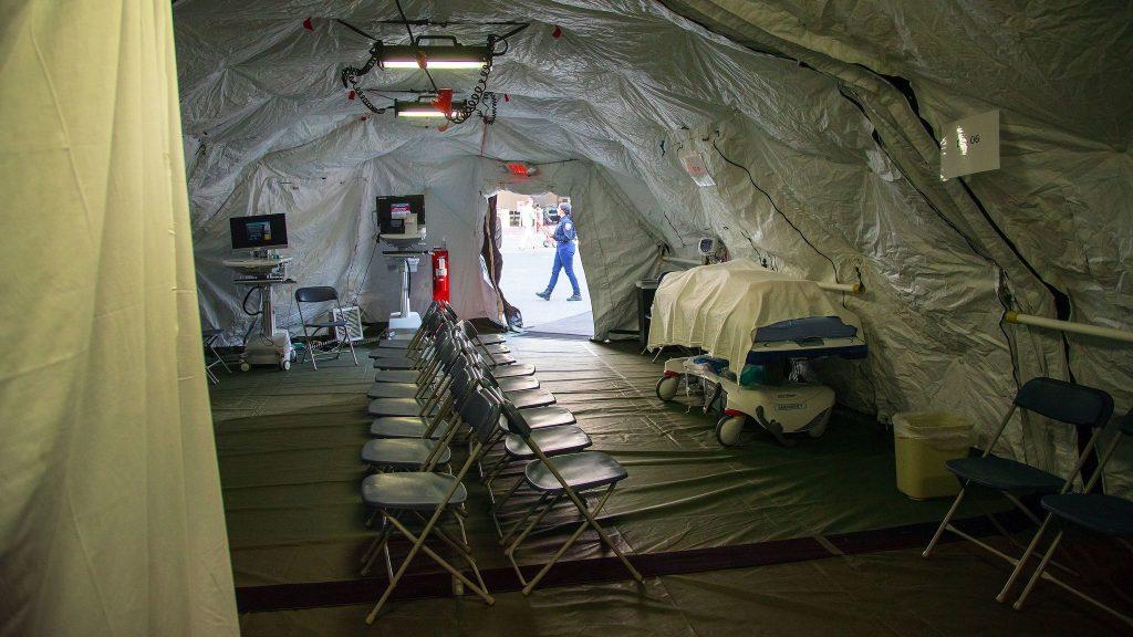 california builds tents for flu outbreak, flu outbreak usa 2018, anomalous flu outbreak jan 2018, california flu outbreak jan 2018