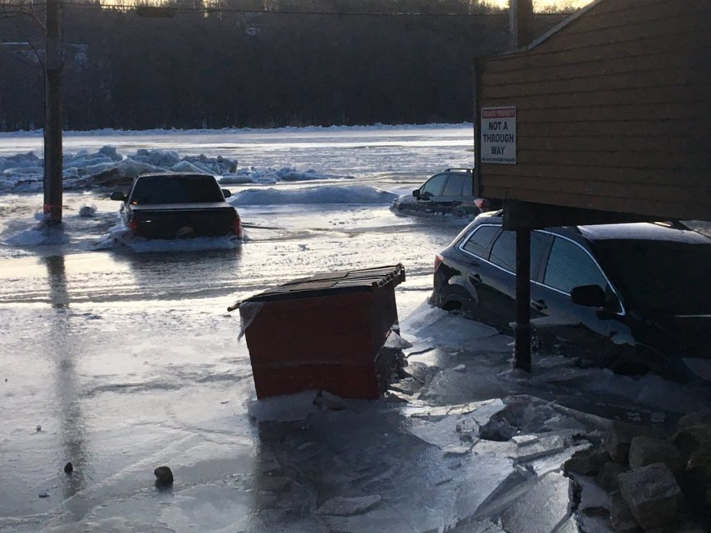 cars trapped in ice hallowell maine