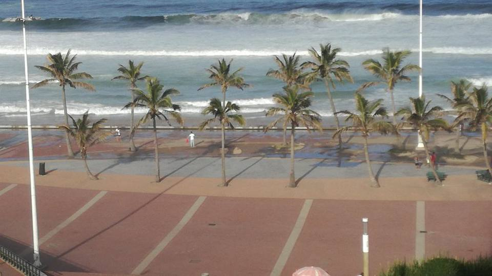 durban freak waves, giant swell durban, large waves durban SA, Large waves in Durban, South Africa killed a 7-year-old girl on January 21 2018