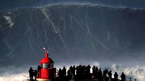 giant waves nazare portugal world record, giant waves nazare portugal world record january 2018, giant waves nazare portugal world record 2018 video, giant waves nazare portugal world record hugo vau january 2018 video