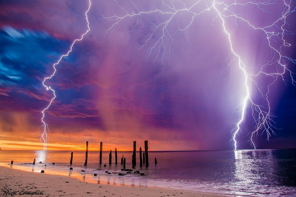 lightning storm adelaide, lightning storm adelaide january 21 2018, lightning storm adelaide pictures january 21 2018