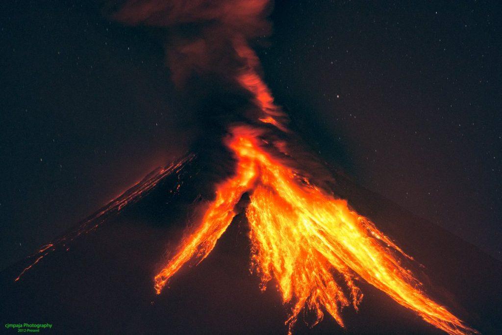 nightly mayon volcano eruption jan 22 2018