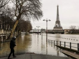 Paris flooded in january 2018, Paris flooded in january 2018 pictures, photo of Paris flooded in january 2018, Paris flooded in january 2018 photo, Paris flooded in january 2018 video