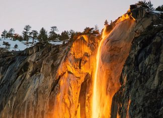 Horse Tail waterfall becomes firefall in Yosemite National Park, California between February 15 to 26 2018, Horse Tail waterfall becomes firefall in Yosemite National Park, California between February 15 to 26 2018 pictures