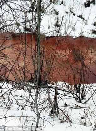River in Russia turns blood red, River in Russia turns bliblical blood red