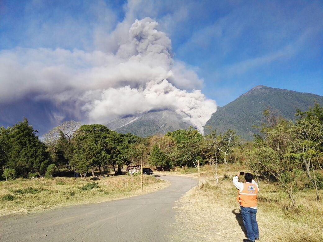 Volcano Fuego during an eruptive pulse