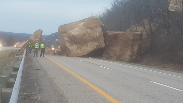 giant boulders ohio, giant boulders block Route 7 ohio