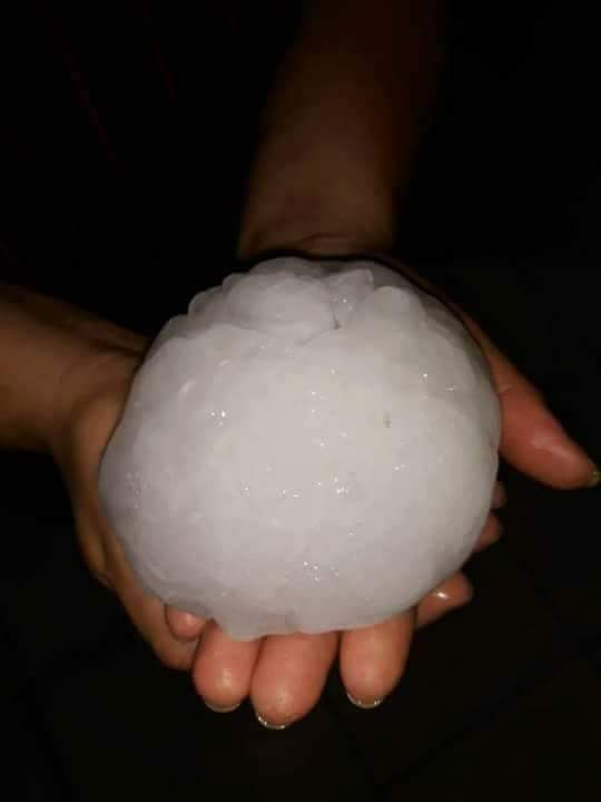 giant hailstone hits Cordoba Argentina, giant hailstone hits Cordoba Argentina pictures, giant hailstone hits Cordoba Argentina video