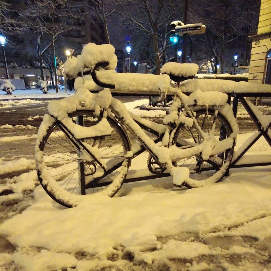 paris snow, paris under snow, snow paris, snow paris february 2018