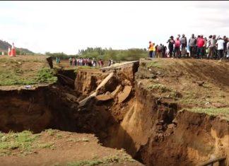 giant crack kenya, giant crack kenya video, giant crack kenya pictures, giant crack kenya march 2018