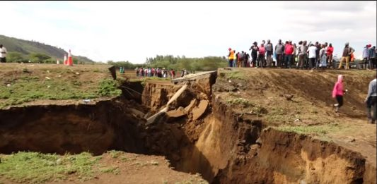 giant crack kenya, giant crack kenya video, giant crack kenya pictures, giant crack kenya march 2018